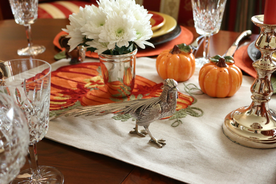 Half the fun of any holiday is setting a beautiful table. Thanksgiving Table Scape at Casa Linda | www.ceceliasgoodstuff.com