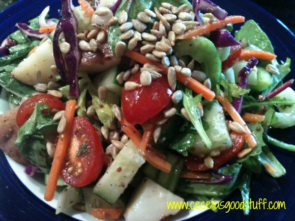 healthy Salad loaded with protien and garbonzo beans