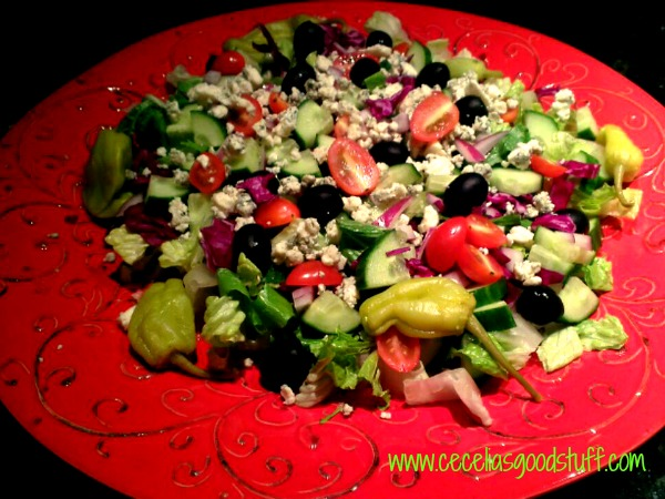 Simple Mixed Green Salad