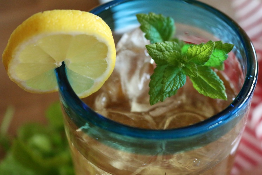 Health Benefits of Lemon Balm Tea