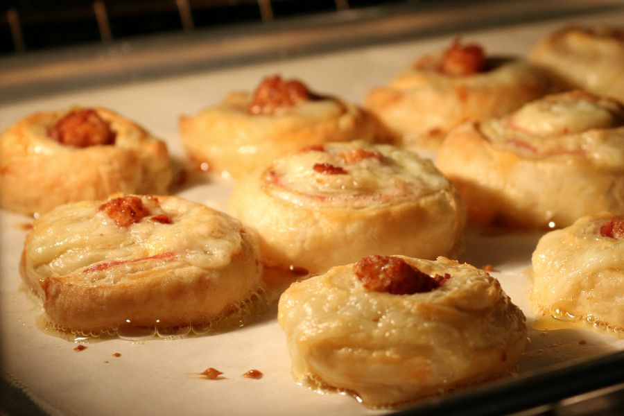 Easy to make breakfast recipe or perfect for brunch these delicious cheesy, ham and buttery flaky crust . These are a must for your next brunch.