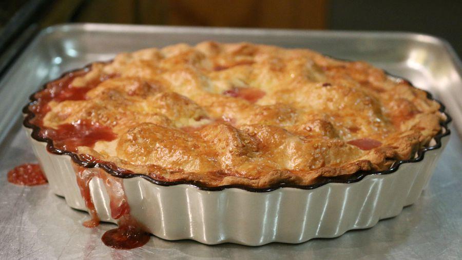 Deep Dish Peach Pie Recipe CeceliasGoodStuff.com | Good Food for Good People