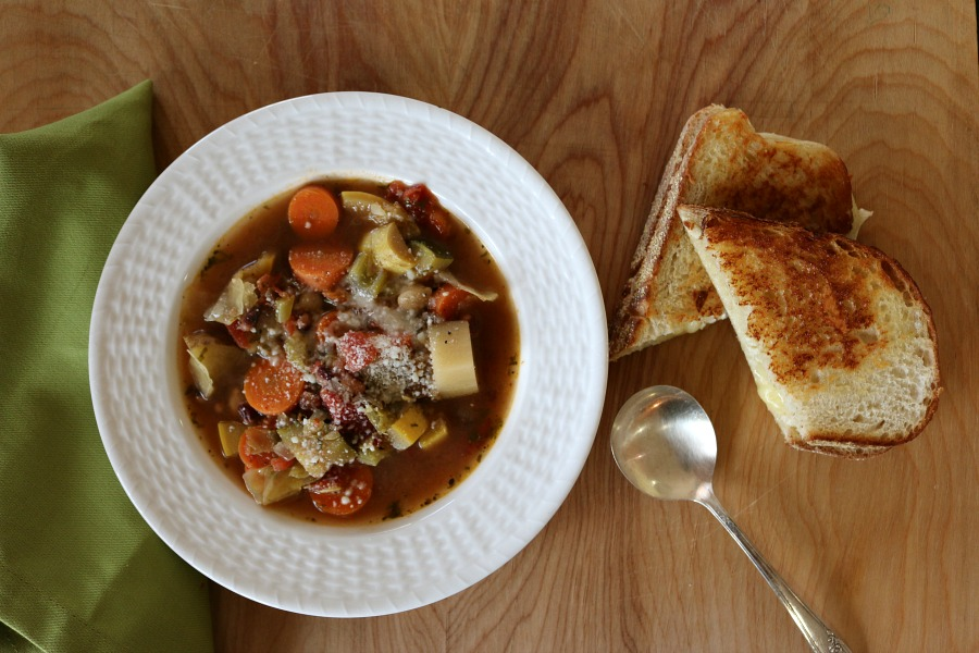 Easy & Healthy Recipe for Hearty Vegetable Soup