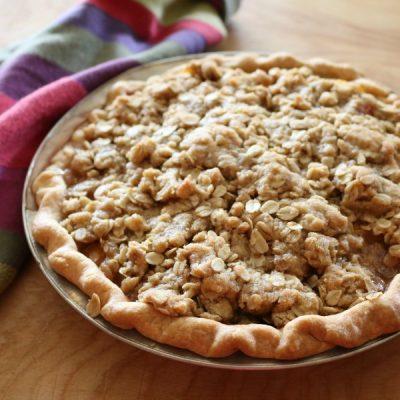 Crumble Peach Pie