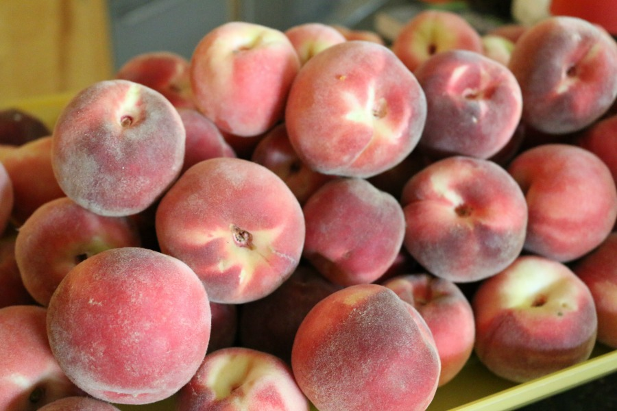 Organic Fresh White Peaches
