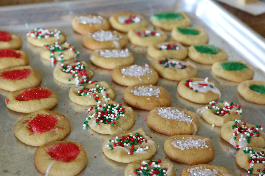 Easy and simple sugar cookies, perfect when you need something quick!