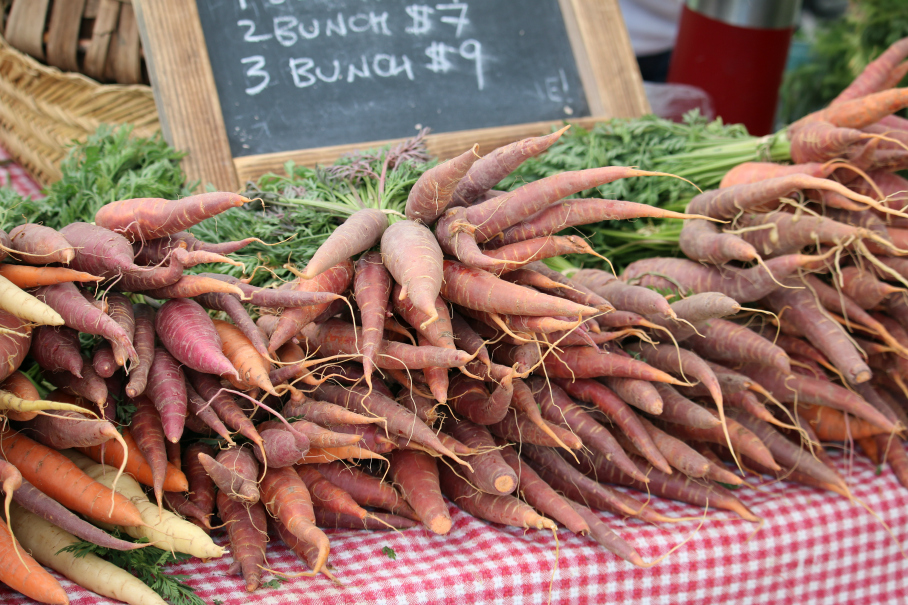Fresh organic carrots at the Albuquerque Downtown Growers Market. CeceliasGoodStuff.com Good Food for Good People