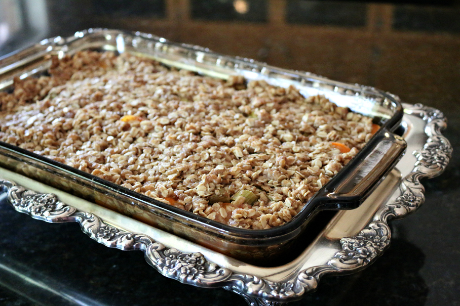 Rhubarb and Apricot Crisp