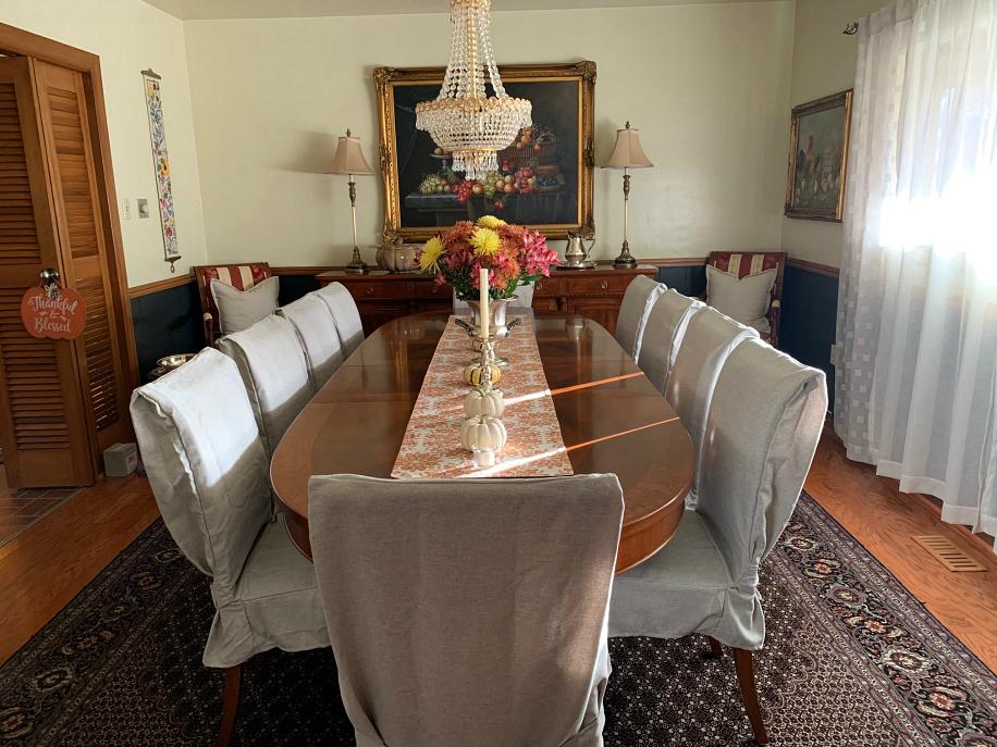 dinning room at Casa Linda CeceliasGoodStuff.com